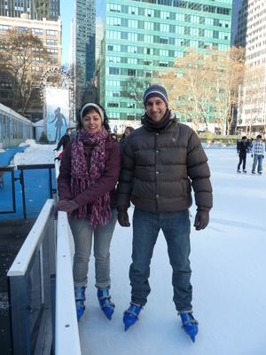 Patinant sobre gel al Bryant Park