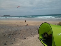 Playa de Famara - aprendiendo Kite Surfing